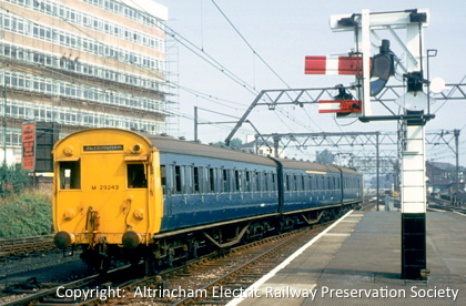 BR blue livery unit with full yellow end panel running into Altrincham platform 1 in 1968 (77KB)